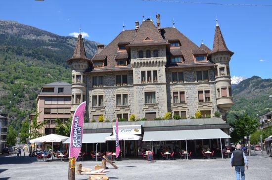 Hotel Falken Wengen: Hotel Falken built 1895 faces the Jungfrau and Eiger seen if the photographer spun around.