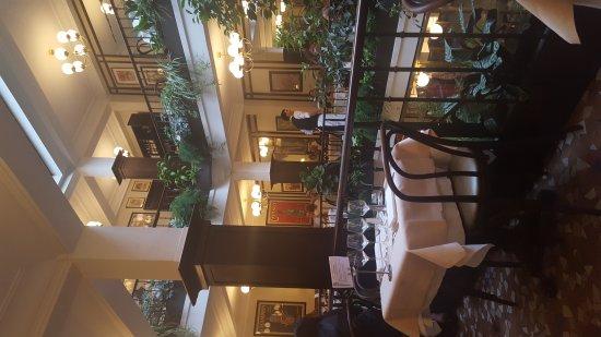 Le Cafe du Commerce: 20170710_201129_large.jpg