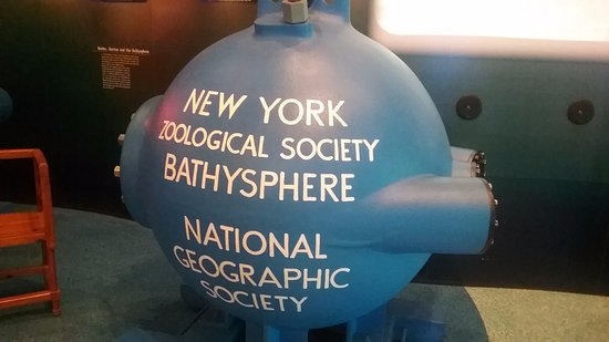 Hamilton, Bermudas: The NY Zoological Society Bathysphere