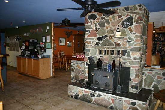 Cougar, WA: Fireplace and Indoor Seating