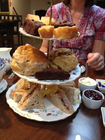 Heswall, UK: Afternoon tea for two!