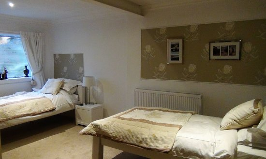 Strathy, UK: The twin room, ground floor.