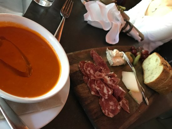 Purple Cafe and Wine Bar : Farmer's Lunch