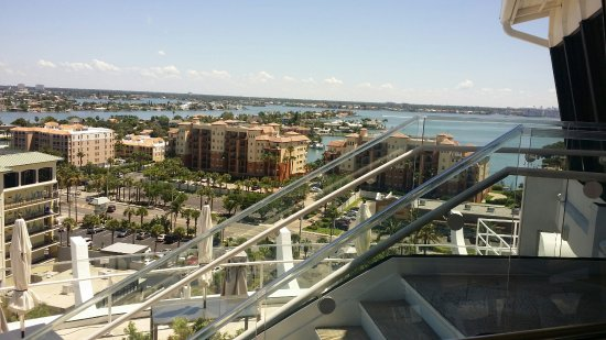 Spinners Rooftop Revolving Bistro Lounge Spinner S Restaurant In St Pete Beach Fl