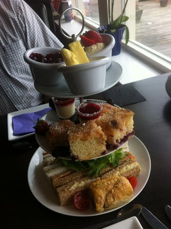 Croes Howell: Afternoon Tea