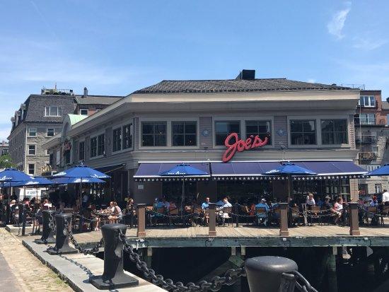 Joe's American Bar & Grill: photo0.jpg