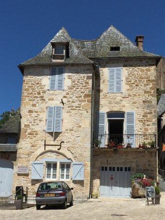 Turenne, France: Maison