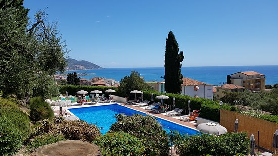 Piscine E Giardini.Piscina E Giardino Hotel Metropol Picture Of Hotel