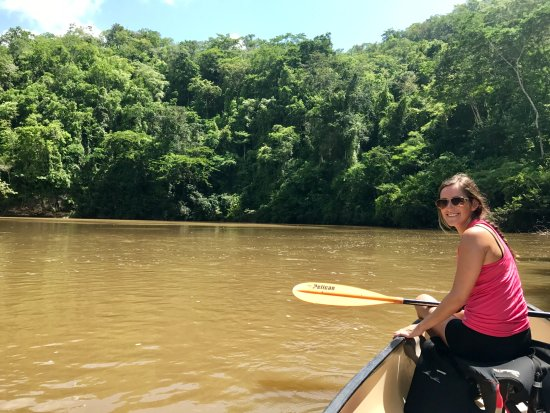 Mystic River Resort : Canoeing the Macal river into San Ignacio.