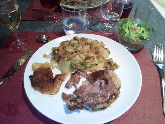 Saint-André-d'Allas, Francia: Cuisse de canard confites