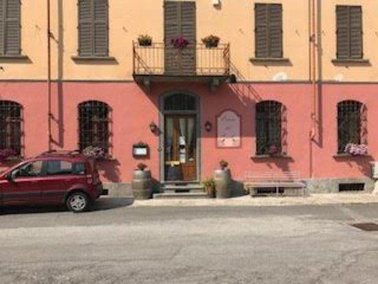 Villar San Costanzo, Italië: Prospetto