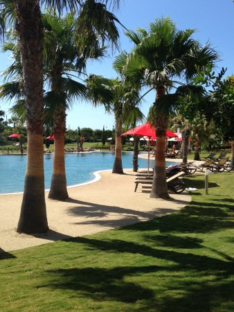 Cascade Wellness & Lifestyle Resort Photo
