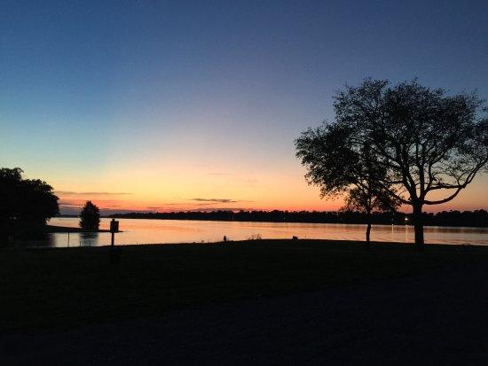 Lake Village照片
