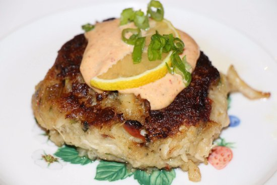 Blair House Inn: Lump Crab Cake with Chipotle Remoulade