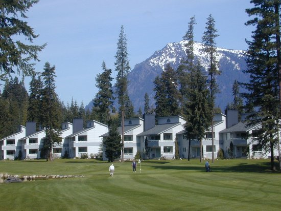 Kahler Glen Golf & Ski Resort: View of golf course with condos in the background