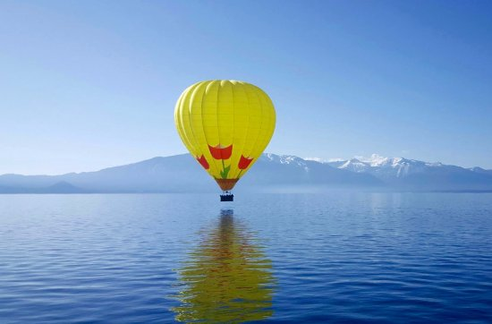 South Lake Tahoe, Californien: Our beautiful Juliet hovering over the lake in early May 2015