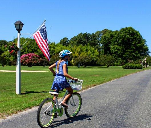 Irvington, VA: such a pretty area to ride the complimentary bikes!!