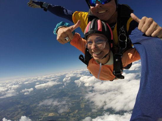 Mercer, PA: the free fall from the plane!