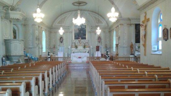 Notre-Dame-de-l'Ile-Perrot, Canada: l'intérieur de Sainte-Jeanne-de-Chantal