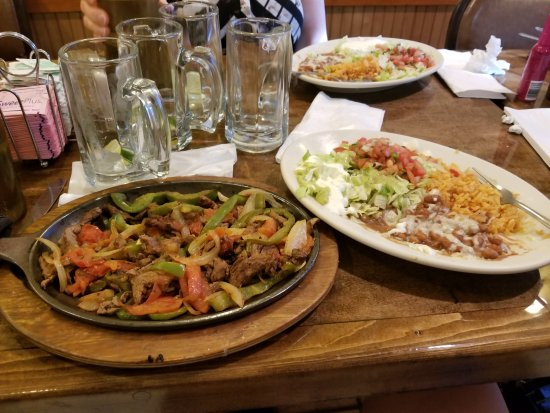 New Castle, IN: Beef fajitas