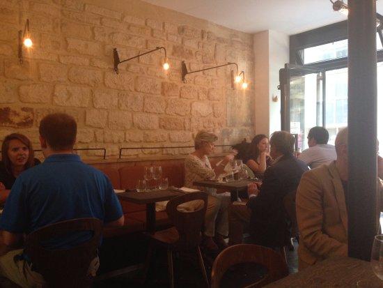 L 39 int rieur du restaurant picture of aspic paris for Interieur restaurant