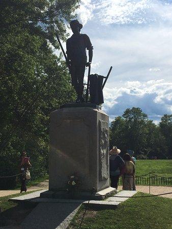 Concord, MA: A embattled farmer statue