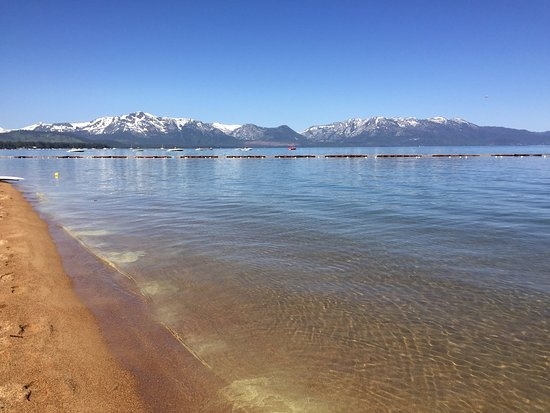 Alpenrose Inn : 5-10 minute walk to this beach, a must at sunset! Beach pass is provided.