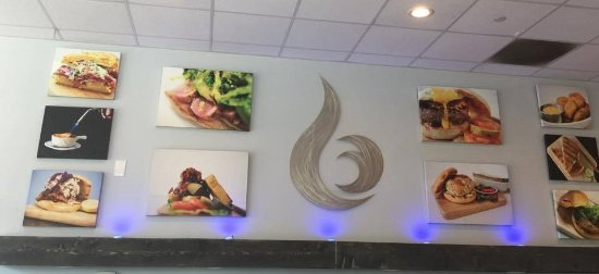 Manahawkin, NJ: More wall decor