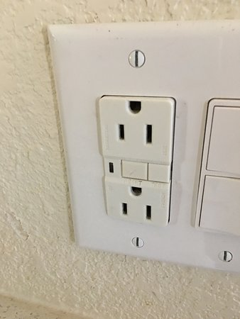 Lakeport, Californië: upside down outlet