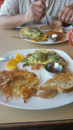 Chesterton, IN: Spinach omelet hash browns toast and jam