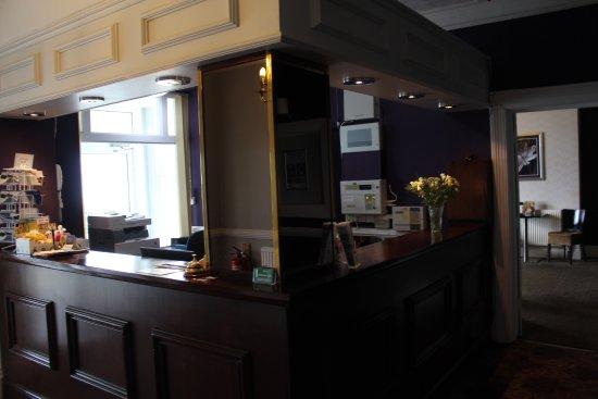 Bay County Hotel: Reception