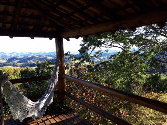 Pousada Quinta da Serra: O amanhecer da sacada do quarto tem uma vista incrível!