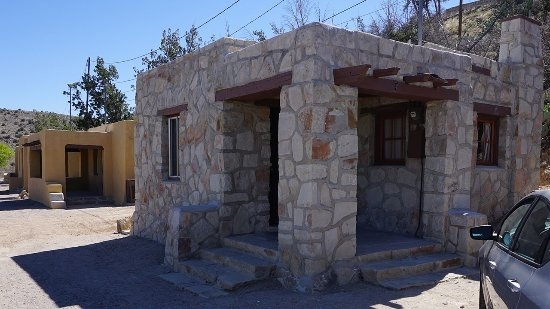 Elephant Butte, NM: Restoration work is underway. 10 units now have kitchenettes.