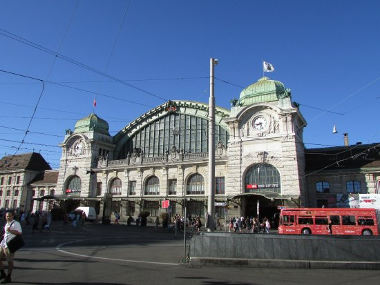 ‪Basel Main Station‬