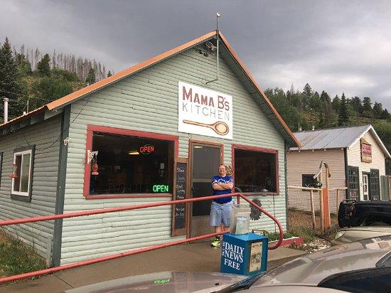 Hot Sulphur Springs, CO: Restaurant front.