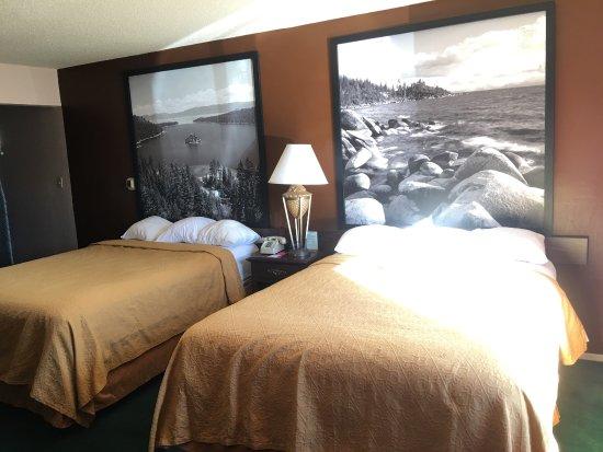Super 8 South Lake Tahoe: Econo Lodge Heavenly Village Area