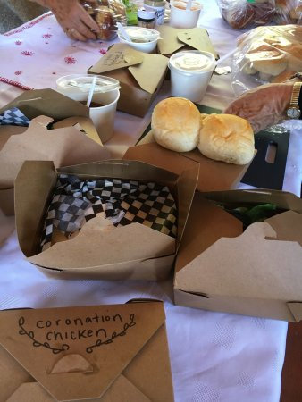 The Wild Oak Cafe & Community Market: A scrumptious picnic created by The Wild Oak!