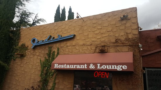 Judi's Restaurant & Lounge: Entrance