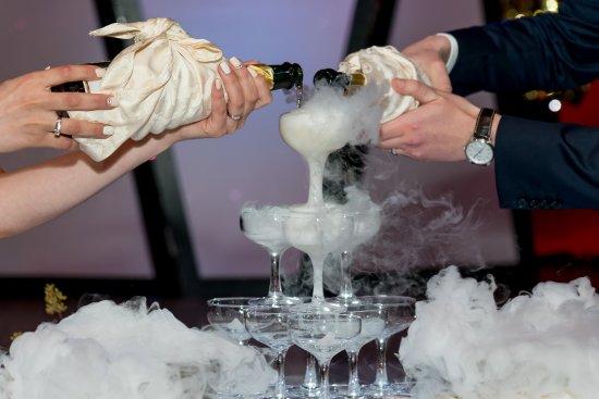 Elite Grande : Champagne Tower