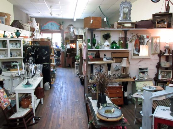 Port Rowan, Kanada: Inside Franni's Attic