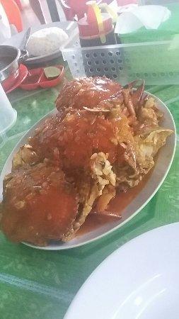 Tarakan, อินโดนีเซีย: Ini satu porsi kepiting telur saus salsa dalam porsi besar, ada 3 pilihan, standar, besar dan ju