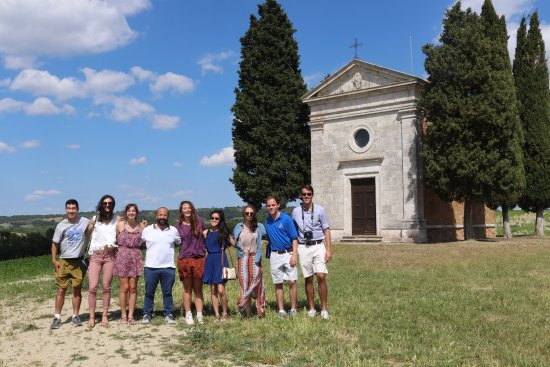 Just in Tuscany  Day Tours : The Capella Della Madonna di Vitaleta