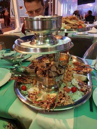 Le Flore : plateaux complet,sur le dessus,poissons frit...merlan,crevettes,soles,calamars....et tagliatelle