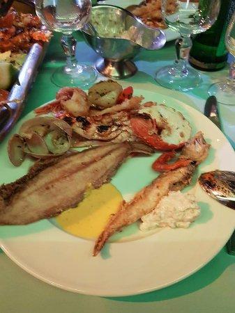 Le Flore : soles,merlans,calamars frits,coquillages,langoustines......