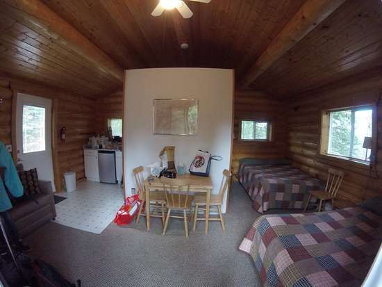 Deluxe Cabin Two Full Beds One Sleeper Sofa White
