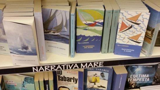 Libreria L Ultima Spiaggia: 20170704_222005_large.jpg
