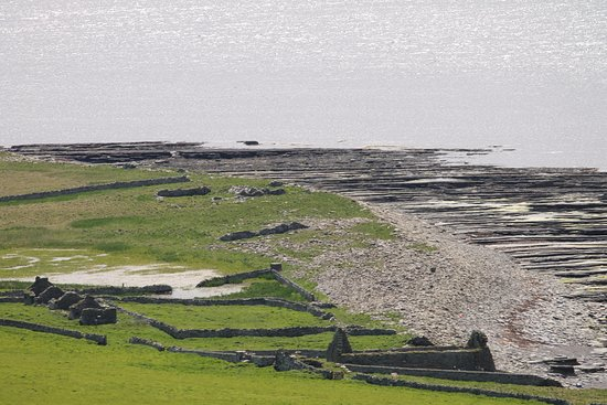 Rousay, UK: looking away from the cairn and broch