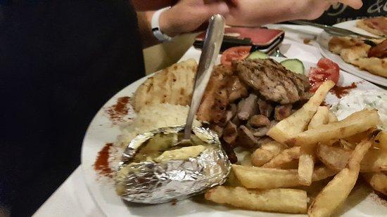 Loggia Taverna Restaurant : 20170710_222932_large.jpg