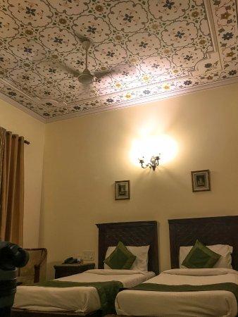 Rajputana Haveli: Beautifully painted ceiling