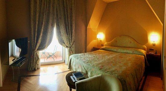 Grand Hotel Vesuvio : Junior Suite Seaview. Bedroom